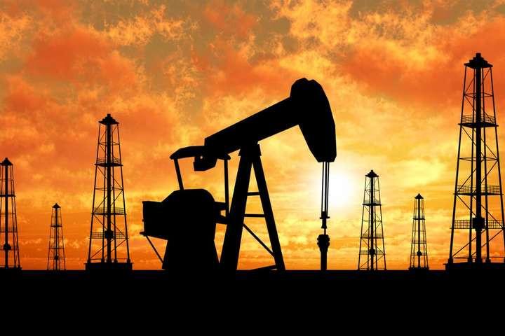 Нефтяные котировки резко устремились вниз после громких семимесячных рекордов