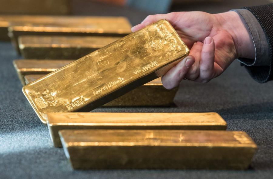 Рост с препятствиями: золото прорвалось выше ключевой отметки в $1 800, несмотря на сильную статистику по рынку труда США