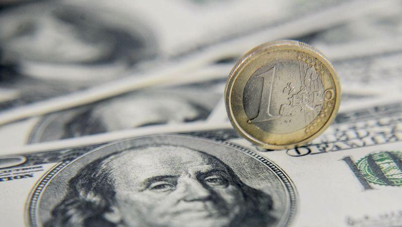 EUR/USD: евро пытается извлечь выгоду из усиления тяги к риску, однако доллар напоминает ему, что зима уже близко