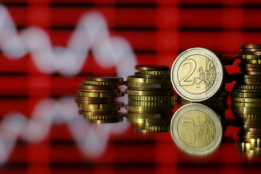 На грани падения: Евро ждет участь иены